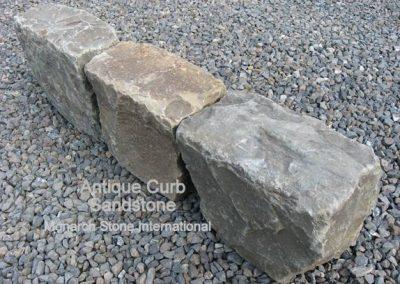 71-Antique Sandstone Curb