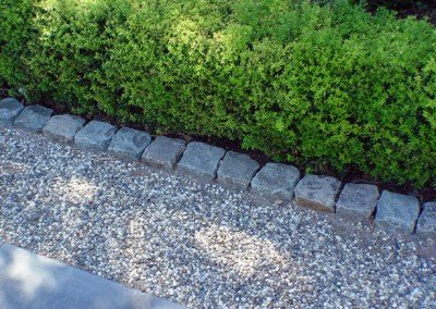 11-Antique Granite Cobblestone edging