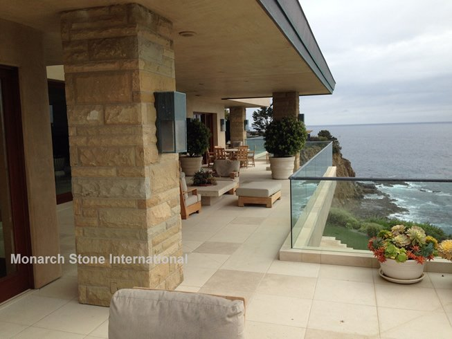 Work With a Variety of Professionals When Choosing Natural Stone for Hardscape Areas