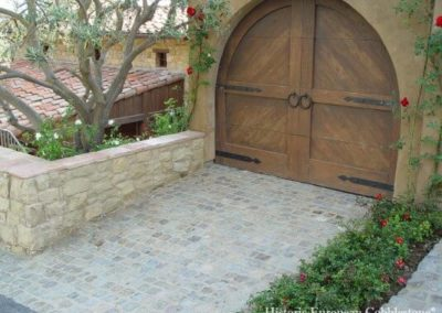 Antique Sandstone Cobble
